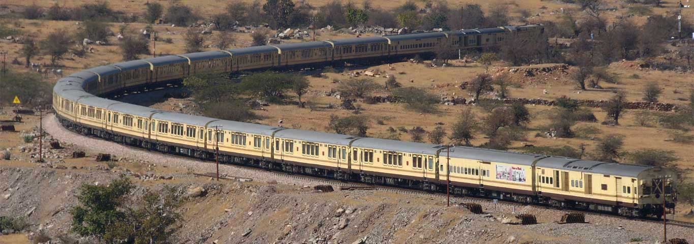 luxury train-palace-on-wheels