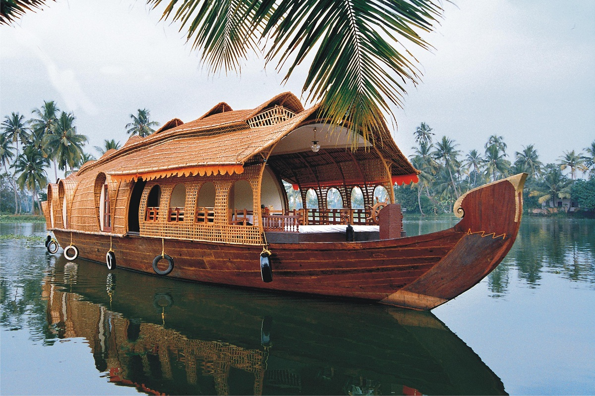 Kerala Bacwaters Houseboat