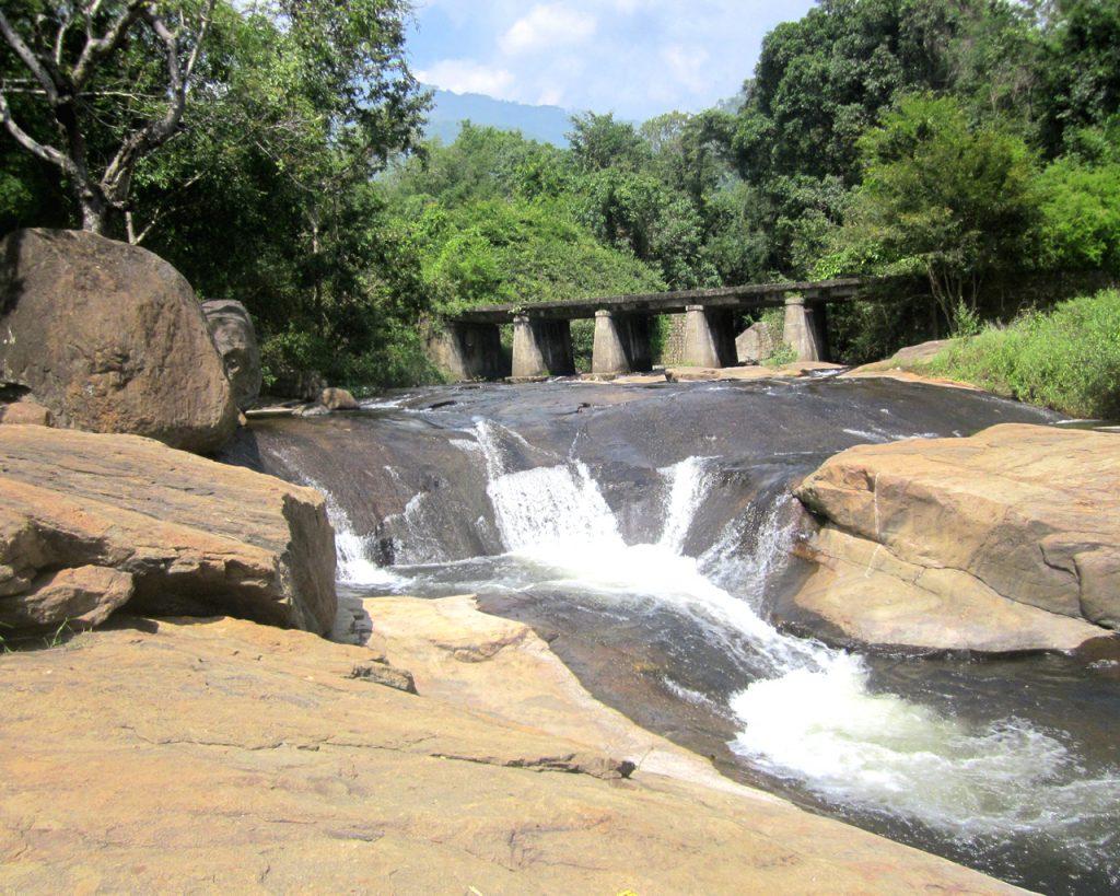 Kumbarkkarai water falls