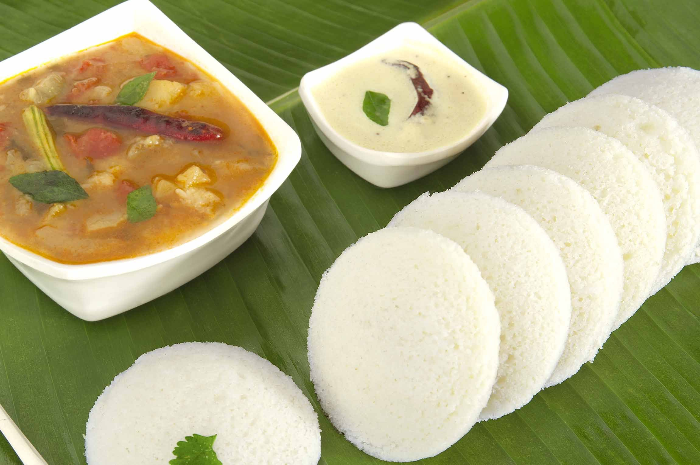 Top 5 south indian dishes for hungry travelers south indian cuisine idli sambhar forumfinder Choice Image