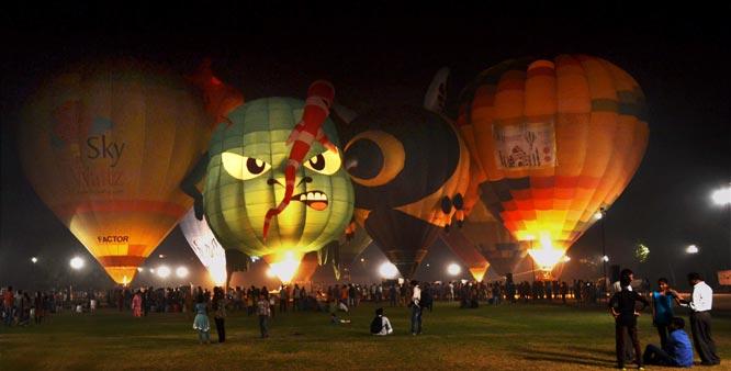 Hot air balloon safari in Agra