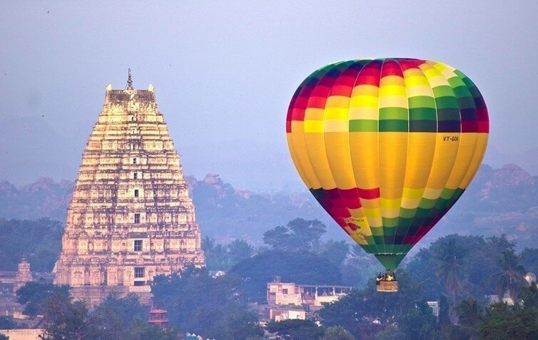 Hot air balloon safari in Hampi