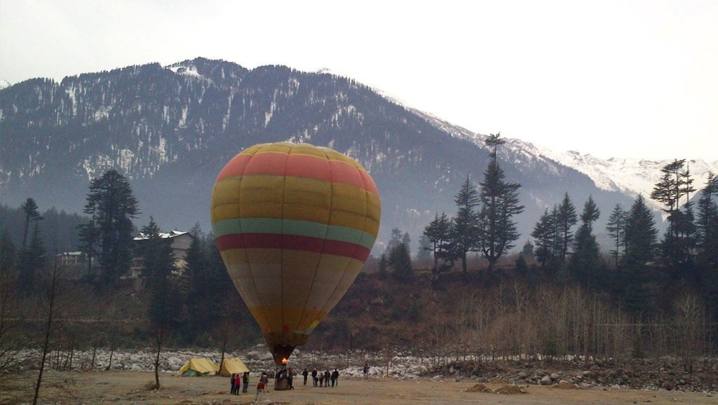 Hot air balloon safari in Manali
