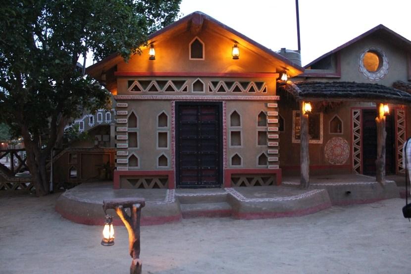chokhi dhani mudhouse