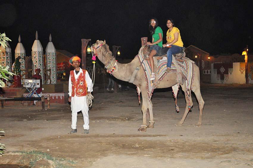 chokhi dhani camel safari