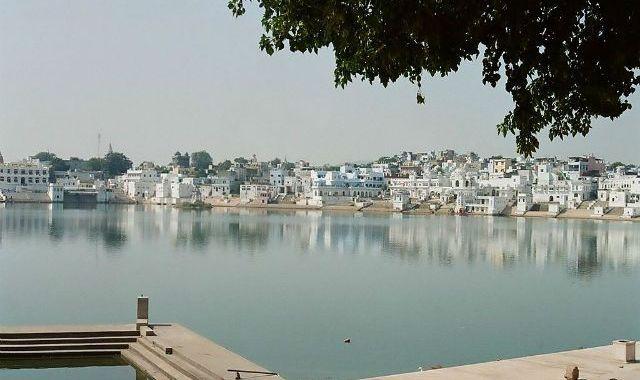 Pushkar Lake Bank, Rajasthan