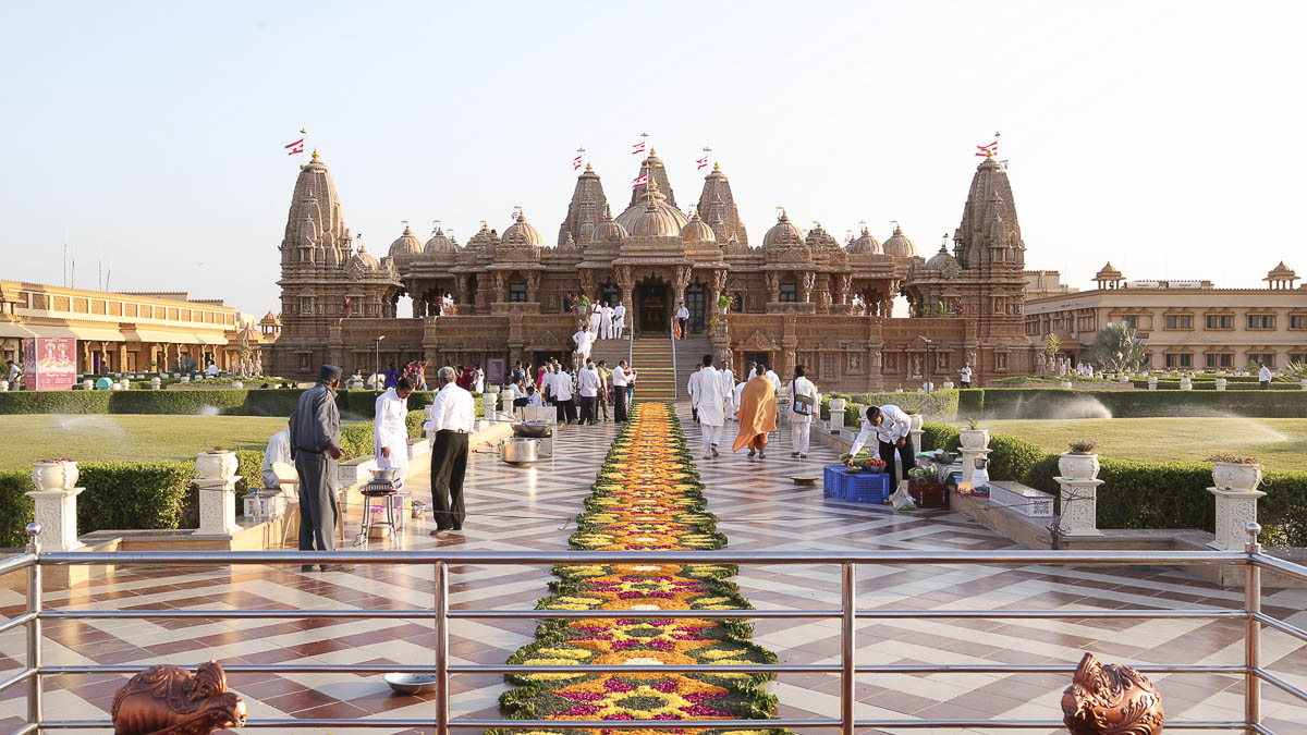 Top 10 Most Famous Temples in India - Pilgrimage Tour in India