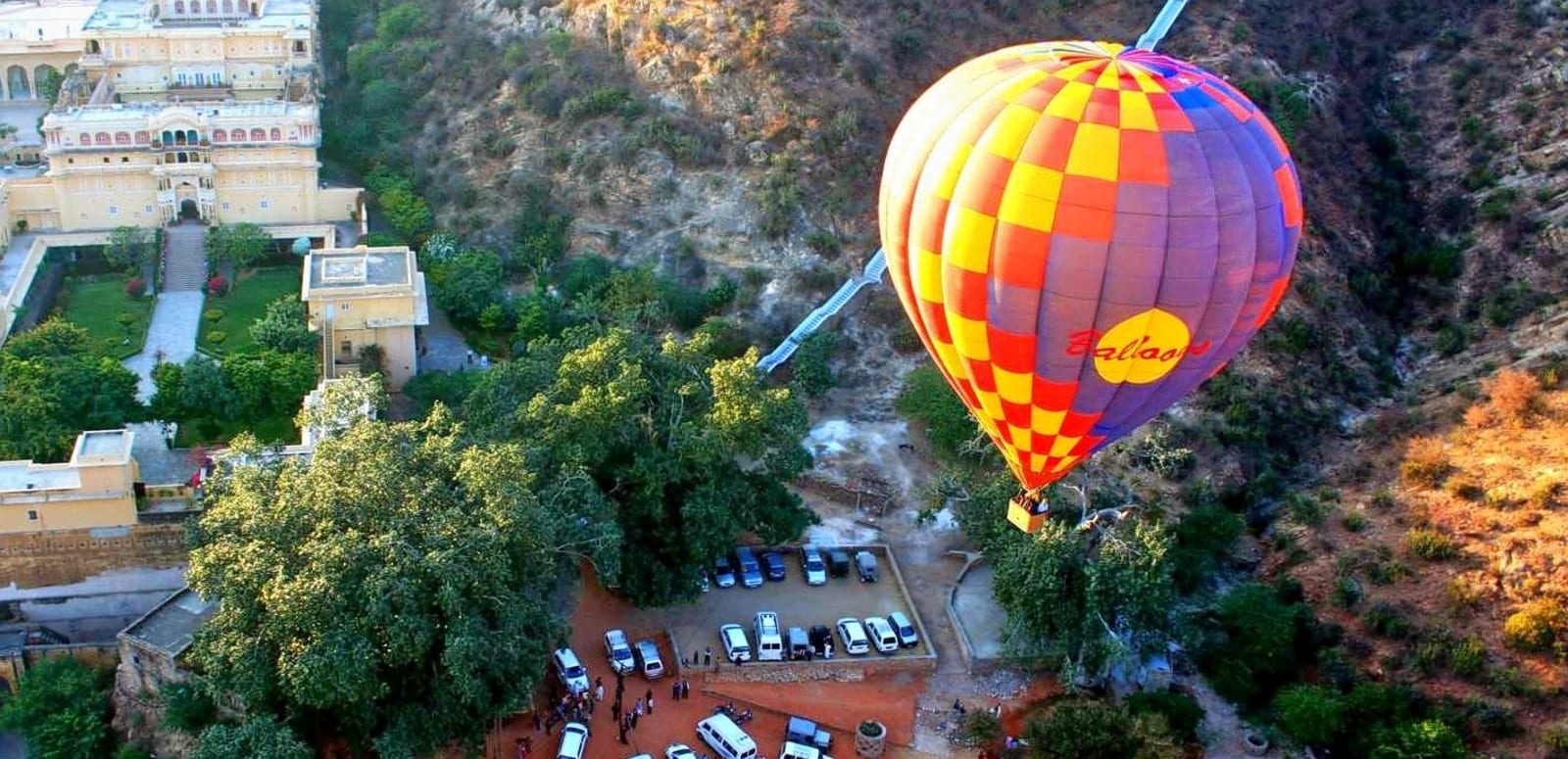 Hot air ballon safari