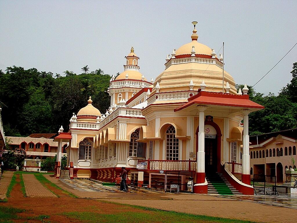 Shri Mangesh Temple