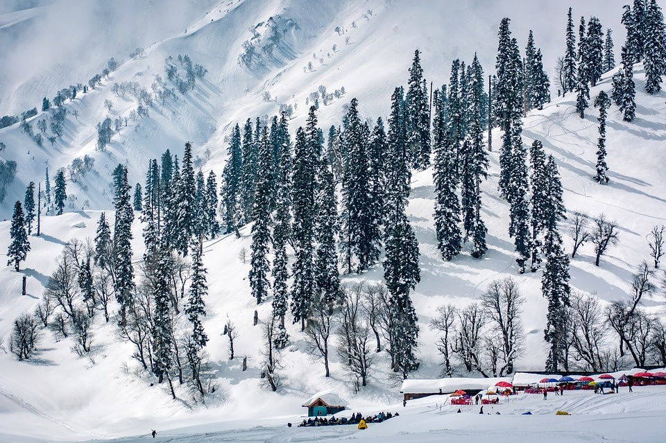 Why Kashmir Is Called Heaven On Earth?