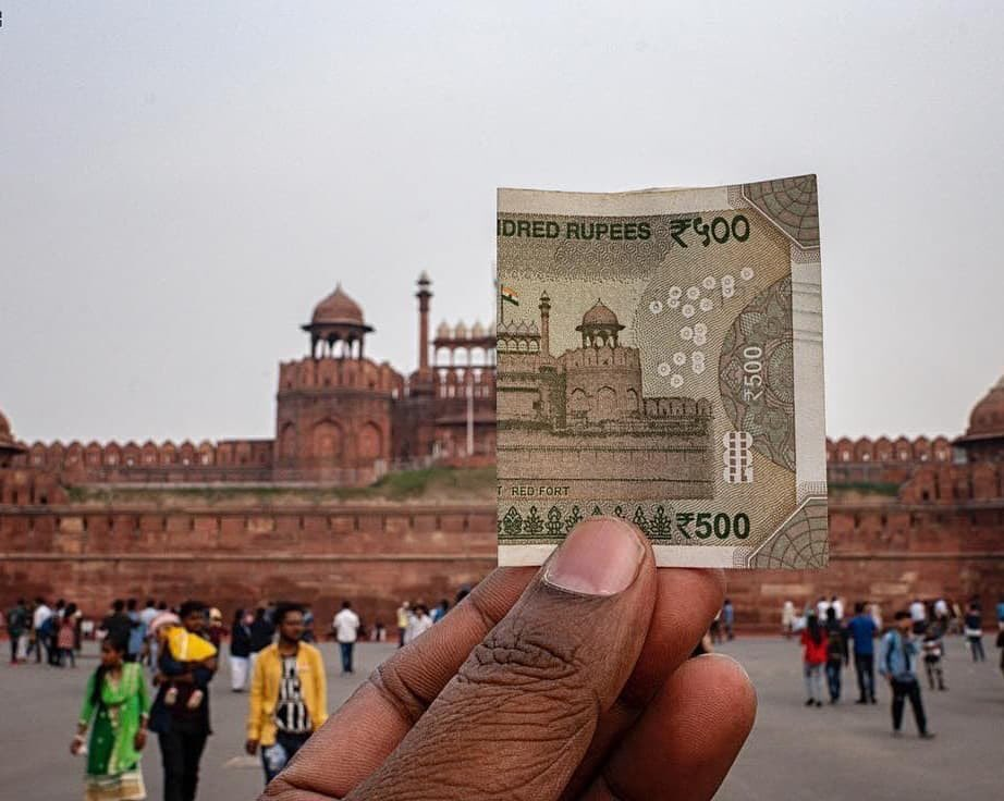 Top Historical Monuments printed on Indian currency